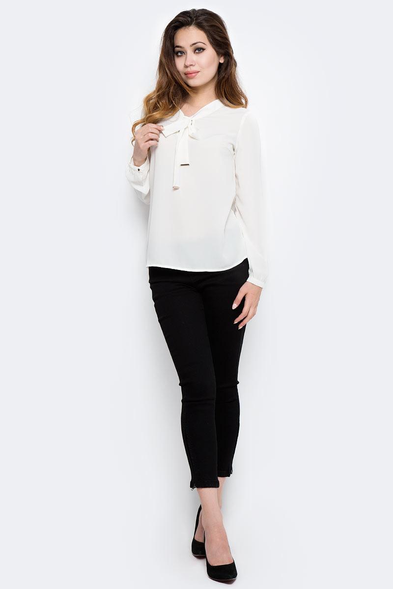 Блузка женская Sela, цвет: белый. Tw-112/1291-7320. Размер 44Tw-112/1291-7320Стильная женская блузка от Sela выполнена из высококачественного материала. Модель свободного кроя и с длинными рукавами.