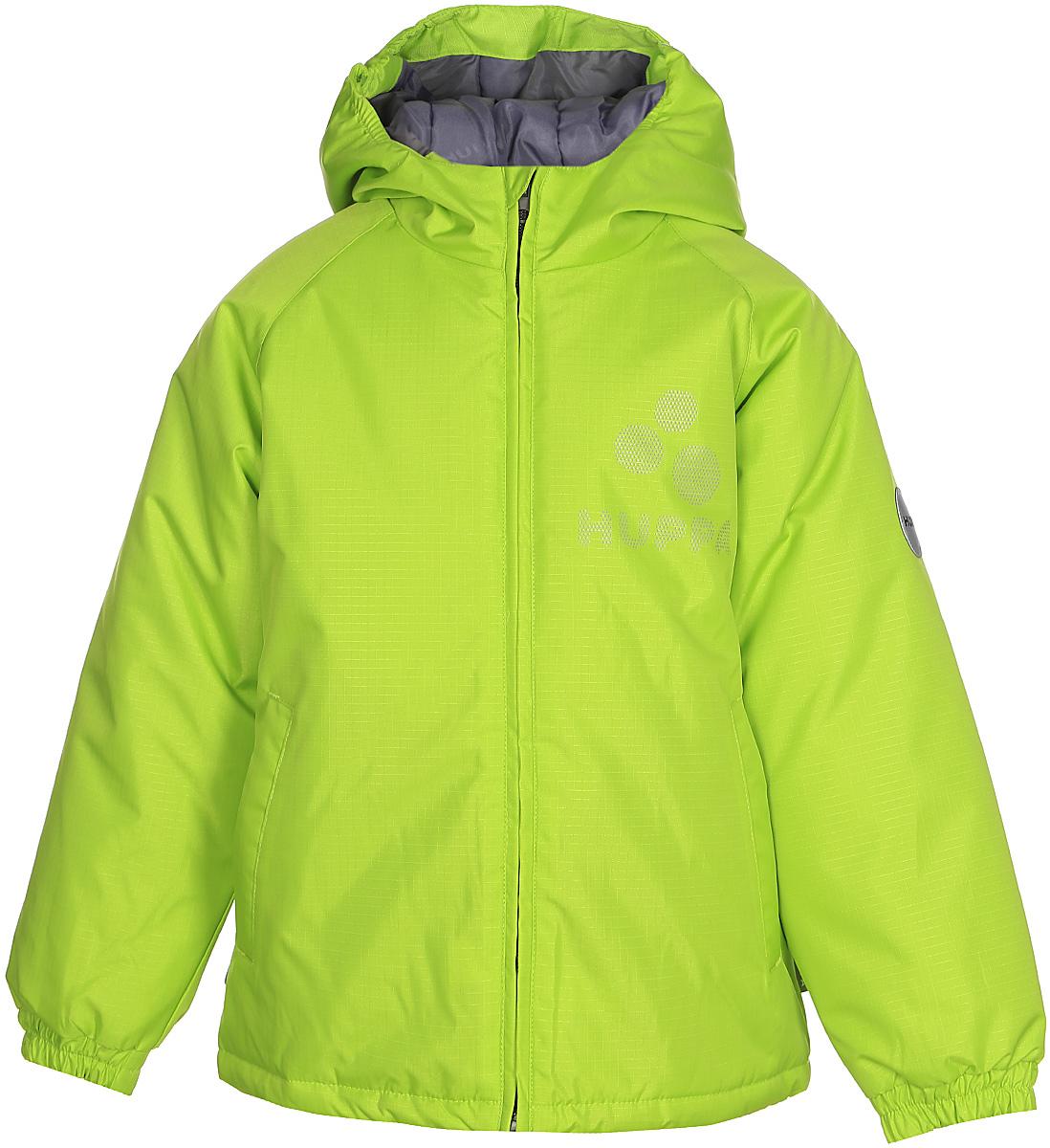 Куртка детская Huppa Classy, цвет: лайм. 17710030-047. Размер 14617710030-047Детская куртка Huppa изготовлена из водонепроницаемого полиэстера. Куртка с капюшоном застегивается на пластиковую застежку-молнию с защитой подбородка. Края капюшона и рукавов собраны на внутренние резинки. У модели имеются два врезных кармана. Изделие дополнено светоотражающими элементами.