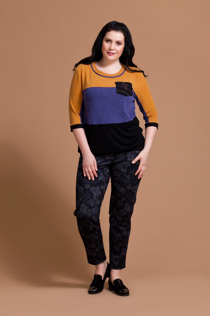 Блузка женская Averi, цвет: оранжевый, синий, черный. 1194. Размер 62 (66)1194Стильная блузка Averi выполнена из комфортного вискозного полотна. Модель свободного кроя на притачном поясе придает ощущение комфорта и не стесняет движения. Изделие имеет втачной рукав длиной 3/4 и круглый вырез горловины. Полочка поделена по горизонтали контрастными цветовыми блоками. Декоративный кармашек украшен оригинальной аппликацией.