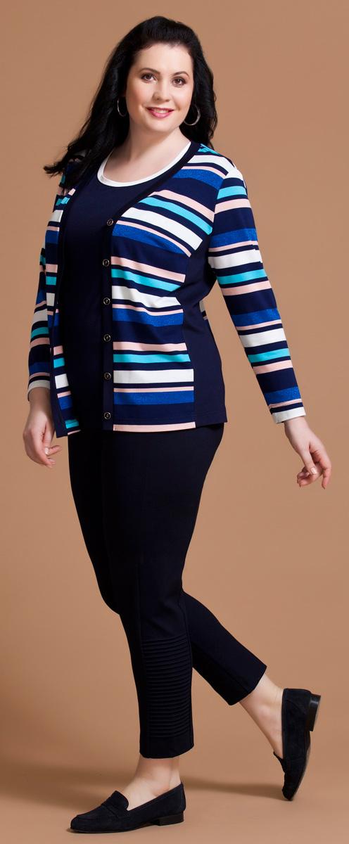 Комплект одежды женский Averi: жакет, топ, цвет: синий, розовый. 1193. Размер 52 (56)1193Комплект Averi состоит из жакета и топа, выполненных из разнообразных вискозных полотен. Привлекательный жакет полуприлегающего силуэта имеет длинные втачные рукава, V-образный вырез горловины и застежку на пуговицы. Цветные горизонтальные полоски и ненавязчивый люрекс придают модели запоминающийся стиль, а небольшие однотонные вставки по бокам вытягивают и стройнят силуэт. Блузка полуприлегающего кроя с коротким втачным рукавом выполнена из гладкокрашеной вискозы.