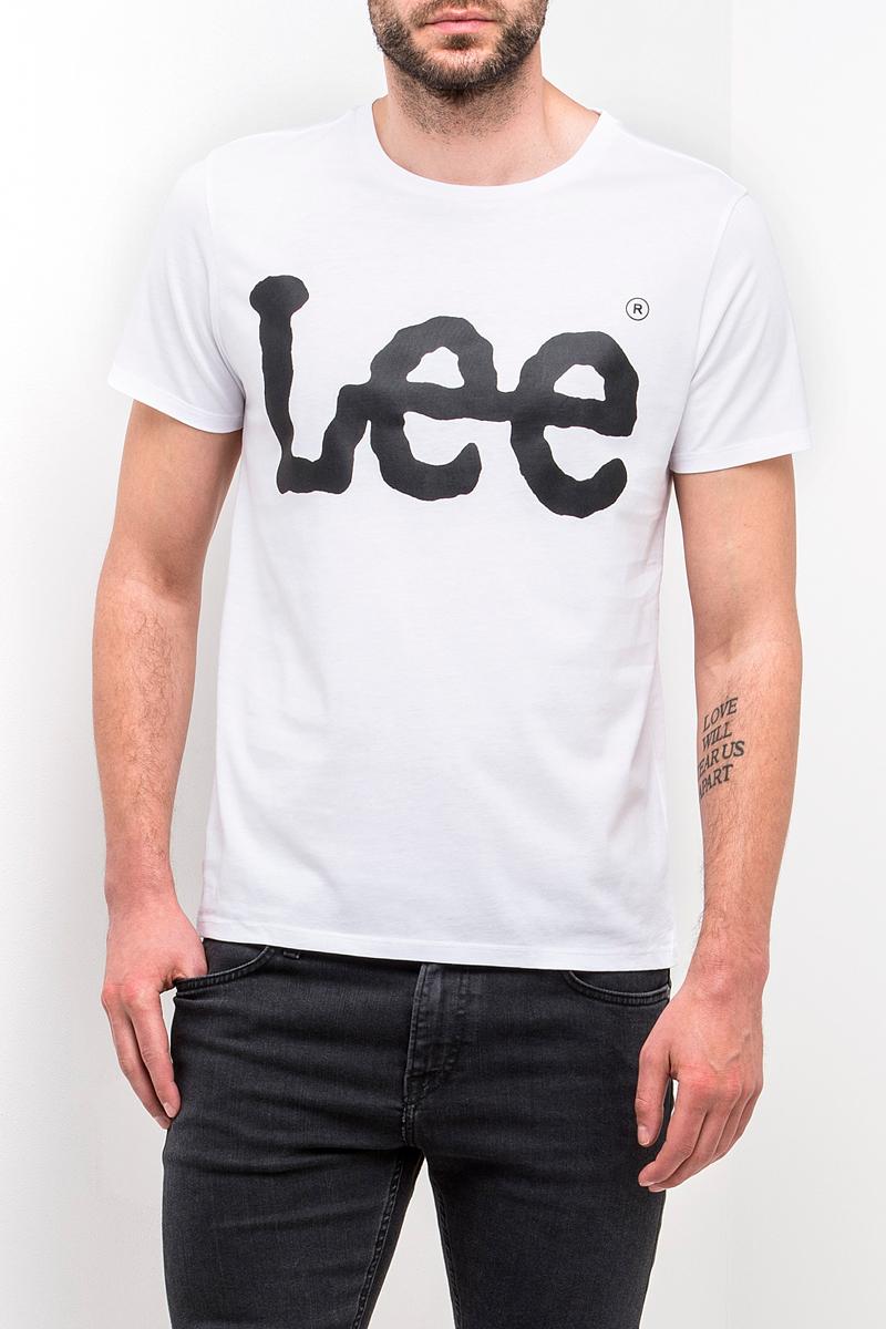 Футболка мужская Lee, цвет: белый. L62AAI12. Размер M (48)L62AAI12Мужская футболка Lee с коротким рукавом и круглым вырезом горловины выполнена из натурального хлопка. Модель оформлена спереди крупной надписью.
