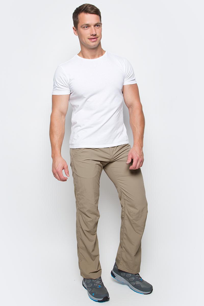 Брюки мужские Jack Wolfskin Kalahari Pants M, цвет: бежевый. 1503321-5605. Размер 521503321-5605Брюки мужские Kalahari Pants M выполнены из ткани SUPPLEX (100% полиамид). Брюки имеют множество преимуществ, особенно практичных в путешествии по жарким регионам: они легкие, защищают от ультрафиолетового излучения (UPF 40+) и упаковываются очень компактно. К тому же материал очень быстро сохнет. Модель застегивается на ширинку с молнией и пуговицу в поясе. Пояс дополнен шлевками для ремня. Брюки имеют два втачных кармана спереди и два кармана сзади. Kalahari Pants M - сочетание нужных качеств для путешествий, летних походов и будней.