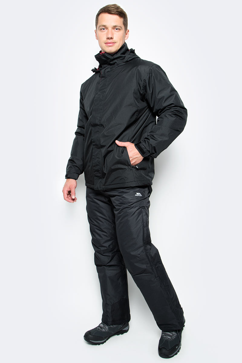 Куртка мужская Trespass Taylor, цвет: черный. MAJKRAK20012. Размер S (48)MAJKRAK20012Великолепная теплая куртка Trespass Taylor выполнена из 100% полиэстера и застегивается на застежку-молнию. Утеплитель ColdHeat 200 г/м2 (синтетический, микроволоконный с функцией быстрого отвода влаги и высоким уровнем теплозащиты и износостойкости). Каждый простроченный шов от иглы оставляет сотни отверстий, через которые влага может проникать внутрь куртки. Применение технологии Taped Seams - обработка швов термо-пластичесткой лентой под высоким давлением - запечатывает швы, тем самым препятствуя проникновению влаги внутрь куртки, дополнительно обеспечивая Вашему телу сухость и комфорт. Материал верха защищает от влаги (влагозащита - 2 000мм). Подкладка из микрофлиса 130г/м. Модель дополнена утепленным регулируемым капюшоном.
