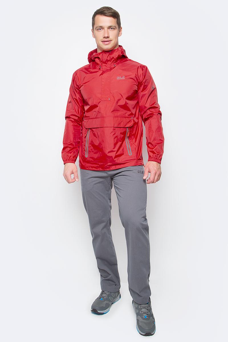 Куртка мужская Jack Wolfskin Cloudburst Smock M, цвет: красный. 1109181-2681. Размер XXL (54)1109181-2681Куртка-анорак Cloudburst Smock изготовлена из 100% полиамида. Ткань легкая, дышащая, водонепроницаемая и непродуваемая. Модель имеет длинные стандартные рукава с манжетами на резинке, капюшон с регулировкой объема и воротник на молнии. Спереди расположен большой карман с клапаном, в котором удобно хранить карты, GPS и другие необходимые в походе вещи, а также два кармана на молнии. Такая куртка идеальна для небольших походов в лесу или в горах. Если вдруг вас застанет дождь, то не переживайте - куртка не даст вам промокнуть, и вы с комфортом доберетесь до места назначения. Модель компактно складывается и не занимает много места в рюкзаке.