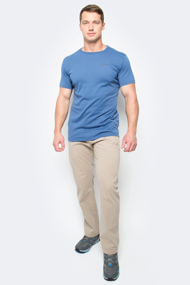 Брюки мужские Jack Wolfskin Drake Pants, цвет: бежевый. 1503811-5605. Размер 481503811-5605Брюки мужские Drake Pants изготовлены из ткани FUNCTION 65 с высоким содержанием натурального хлопка, что делает изделие мягким и приятным на ощупь. Ткань обладает защитой от влаги и ветра, а также отличается прочностью. Модель имеет прямой силуэт и стандартную талию. Застегивается на ширинку с молнией и пуговицу в поясе, также имеются шлевки для ремня. Брюки имеют два втачных кармана спереди и два накладных кармана сзади. Идеальный вариант для путешествий, хайкинга в горах и повседневной носки.
