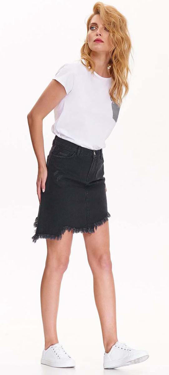 Юбка Top Secret, цвет: черный. SSD1144CA. Размер 38 (46)SSD1144CAОригинальная джинсовая юбка Top Secret выполнена из плотного хлопкового материала. Модель с ассиметричным низом оформлена бахромой и потертостями. Изделие застегивается на молнию и пуговицу. По бокам предусмотрены прорезные карманы, сзади - два накладных кармана. На поясе расположены шлевки для ремня.Такая юбка будет стильно смотреться с различными футболками и рубашками. Она подчеркнет вашу индивидуальность и чувство стиля и займет достойное место в вашем гардеробе.