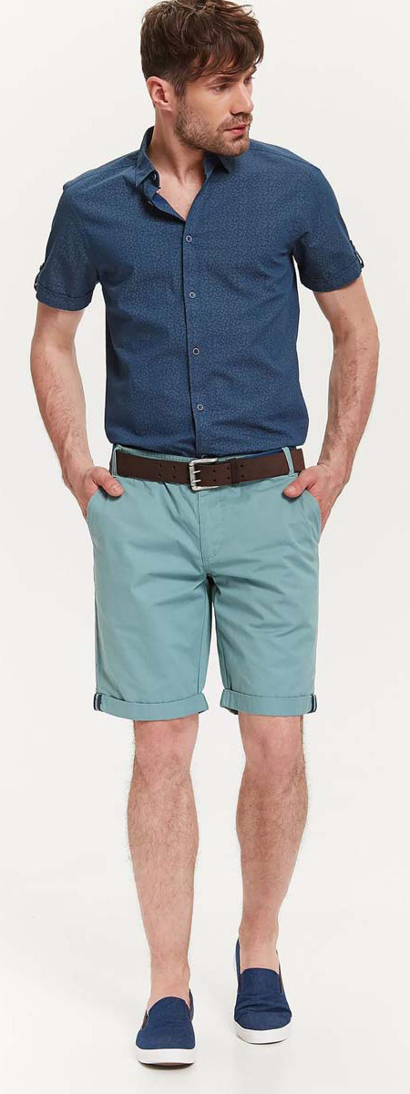 Рубашка мужская Top Secret, цвет: синий. SKS0964NI. Размер 40/41 (48)SKS0964NIСтильная мужская рубашка Top Secret, выполненная из натурального хлопка, обладает высокой теплопроводностью, воздухопроницаемостью и гигроскопичностью, позволяет коже дышать, тем самым обеспечивая наибольший комфорт при носке.Модель приталенного кроя с отложным воротником застегивается на пуговицы. Короткие рукава рубашки дополнены хлястиками на пуговице.Такая рубашка подчеркнет ваш вкус и поможет создать великолепный стильный образ.