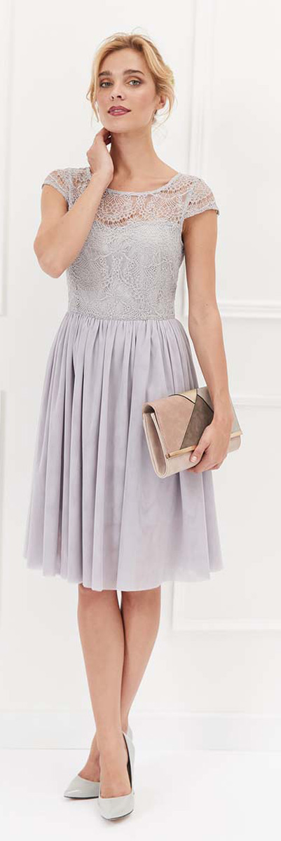 Платье Top Secret, цвет: серый. SSU1935GB. Размер 40 (48)SSU1935GBОчаровательное платье Top Secret с юбкой до колена выполнено из полиамида с вискозой. Застегивается на молнию. Платье с ажурным верхом создаст обворожительный и неповторимый образ. Это платье станет превосходным дополнением к вашему гардеробу.