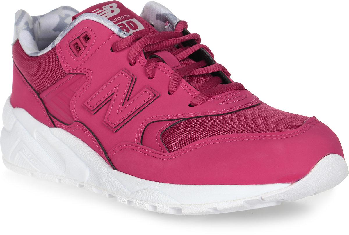 Кроссовки женские New Balance 580, цвет: розовый. WRT580CH/B. Размер 7 (37,5)WRT580CH/BСтильные женские кроссовки от New Balance 580 - одна из самых популярных моделей. Верх модели выполнен из натуральной кожи со вставками из текстиля. По бокам обувь оформлена декоративными элементами в виде фирменного логотипа бренда, на язычке - фирменной нашивкой. Классическая шнуровка надежно зафиксирует изделие на ноге. Подкладка и стелька, изготовленные из текстиля, гарантируют уют и предотвращают натирание. Удобные кроссовки займут достойное место среди коллекции вашей обуви.