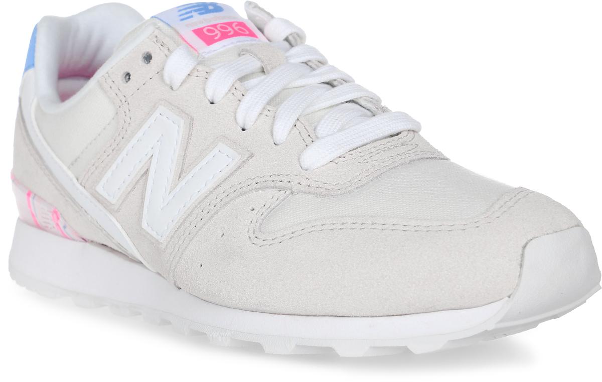 Кроссовки женские New Balance 996, цвет: бежевый. WR996OSA/D. Размер 5 (35)WR996OSA/DСтильные женские кроссовки от New Balance 996 сочетают в себе стремительный беговой дизайн и в то же время элементы ретро-стиля. Верх модели выполнен из натуральной замши со вставками из текстиля. По бокам обувь оформлена декоративными элементами в виде фирменного логотипа бренда, на язычке - фирменной нашивкой. Классическая шнуровка надежно зафиксирует изделие на ноге. Подкладка и стелька, изготовленные из текстиля, гарантируют уют и предотвращают натирание. Удобные кроссовки займут достойное место среди коллекции вашей обуви.