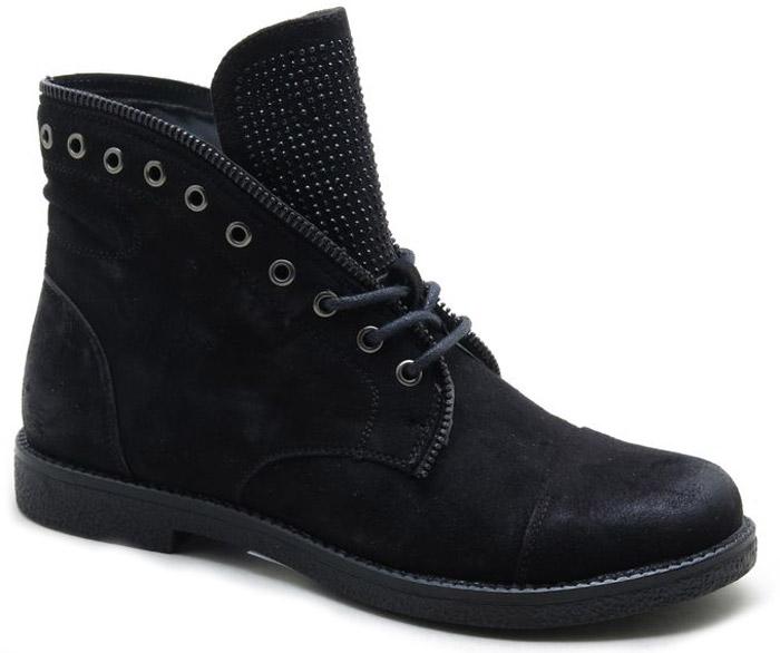 Ботинки женские Spur, цвет: черный. SM4167_01_11_BLACK. Размер 40SM4167_01_11_BLACKСтильные ботинки от Spur не оставят вас равнодушной. Модель, выполненная из искусственной кожи, оформлена на язычке металлическими стразами и верх изделия декоративной молнией. Классическая шнуровка надежно зафиксирует обувь на ноге. Внутренняя поверхность и стелька, изготовленные из мягкой байки, сохраняют тепло и создают комфорт. Небольшой устойчивый каблук и подошва с рифлением гарантируют отличное сцепление с любой поверхностью. Модные и удобные ботинки - незаменимая вещь в женском гардеробе.