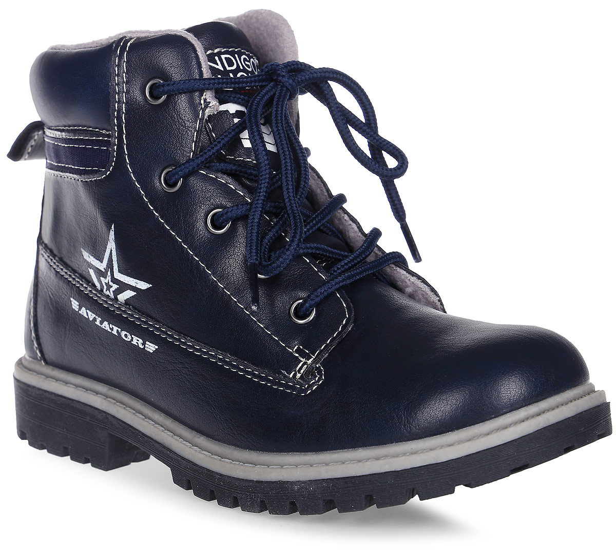Ботинки для мальчика Indigo Kids, цвет: синий. 51-257B/12. Размер 2851-257B/12Очаровательные детские ботинки от Indigo Kids заинтересуют вашего модника с первого взгляда. Модель выполнена из искусственной кожи. Внутренняя поверхность и стелька выполненные из байки, предотвращают натирание и гарантируют комфорт. Подъем дополнен классической шнуровкой, которая обеспечивает плотное прилегание модели к стопе и регулирует объем. Ботинки застегиваются на застежку-молнию, расположенную на одной из боковых сторон. Благодаря такой застежке ребенок может самостоятельно надевать обувь. Подошваоснащена рифлением для лучшей сцепки с поверхностью. Чудесные ботинки займут достойное место в гардеробе вашего ребенка.