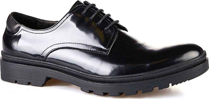 Туфли мужские Vitacci, цвет: черный. M113003. Размер 41M113003Мужские туфли от Vitacci на квадратном каблуке выполнены из натуральной кожи. На ноге модель фиксируется при помощи шнуровки. Подкладка и стелька из натуральной кожи гарантируют комфорт при носке. Гибкая, мягкая и легкая подошва, выполненная из ТЭП-материала, долговечна и обеспечивает высокую устойчивость к деформациям.