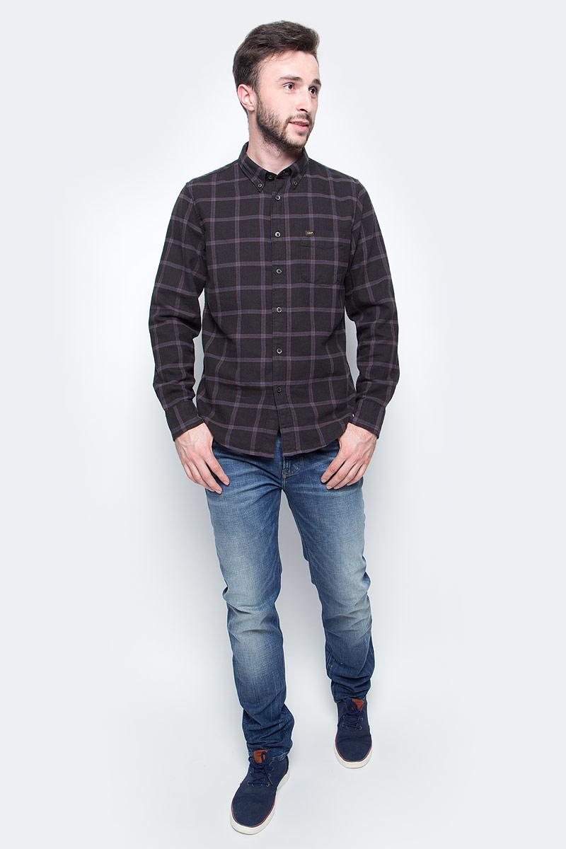 Джинсы мужские Lee, цвет: синий. L788LGJQ. Размер 32-34 (48-34)L788LGJQМужские джинсы Lee выполнены из высококачественного материала. Прямые джинсы стандартной посадки застегиваются на пуговицу в поясе и ширинку на застежке-молнии, имеются шлевки для ремня. Джинсы имеют классический пятикарманный крой: спереди модель дополнена двумя втачными карманами и одним маленьким накладным кармашком, а сзади - двумя накладными карманами.