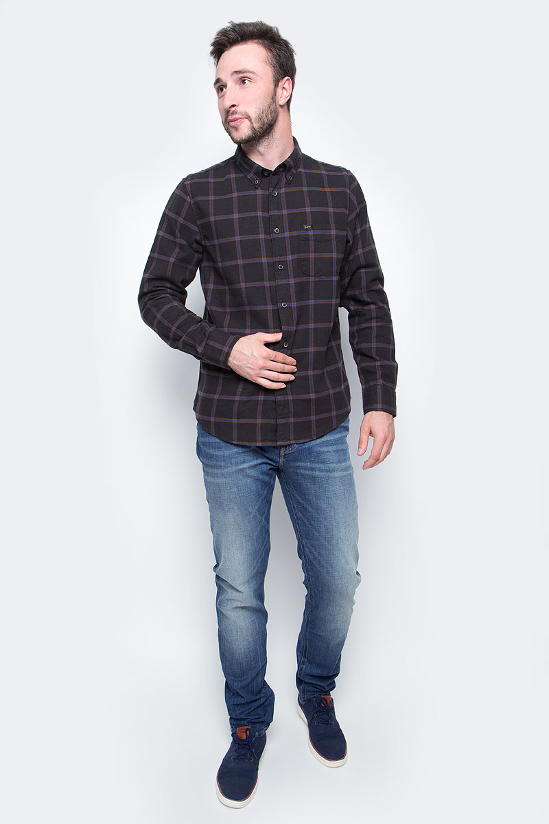 Рубашка мужская Lee, цвет: черный. L880DC01. Размер M (48)L880DC01Мужская рубашка Lee, выполнена из натурального хлопка. Модель с отложным воротником и длинными рукавами застегивается на пуговицы по всей длине. Изделие оформлено принтом в клетку.
