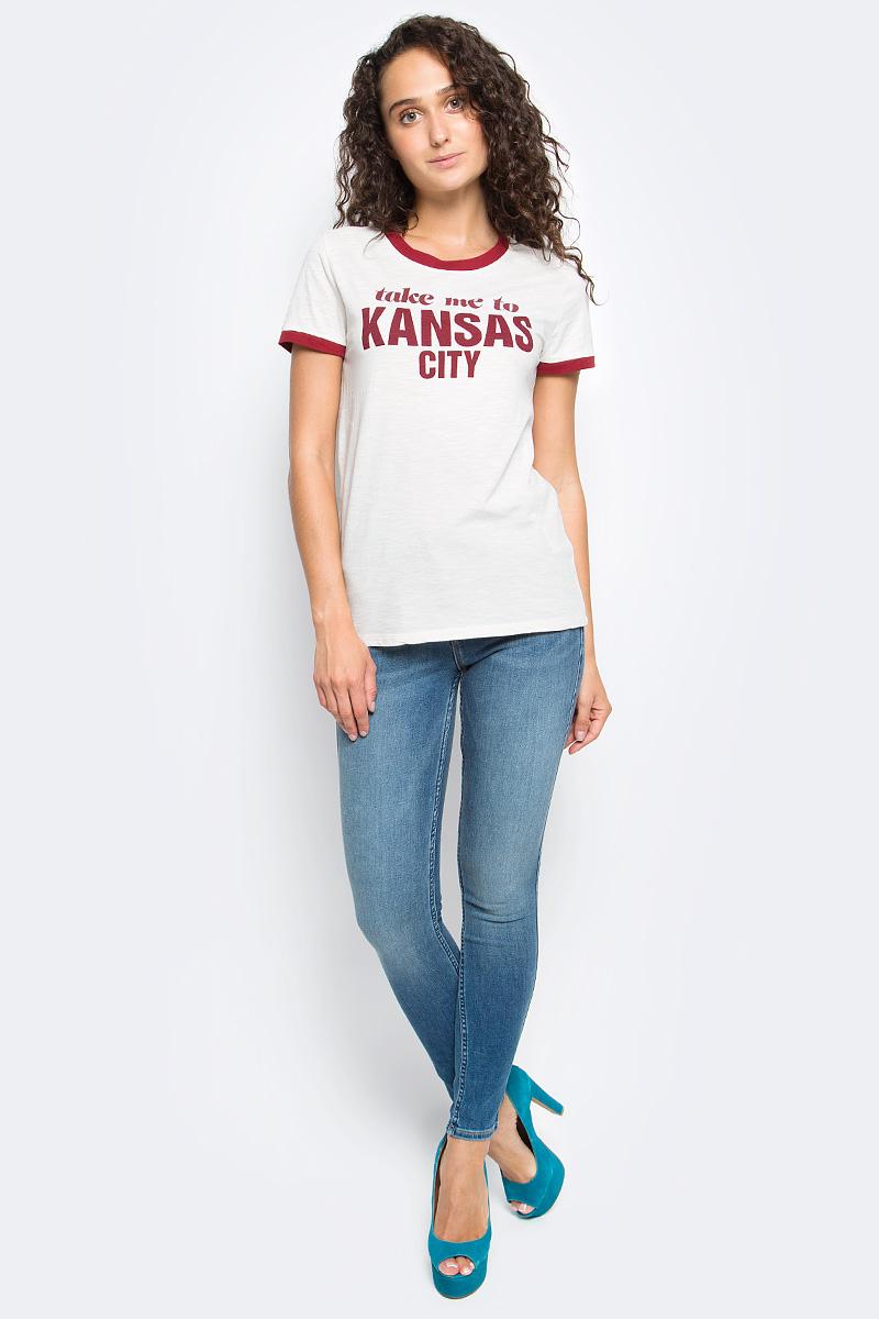 Футболка женская Lee, цвет: белый. L43QOWBC. Размер L (46)L43QOWBCЖенская футболка Lee с коротким рукавом и круглым вырезом горловины выполнена из натурального хлопка. Модель оформлена спереди крупной надписью.
