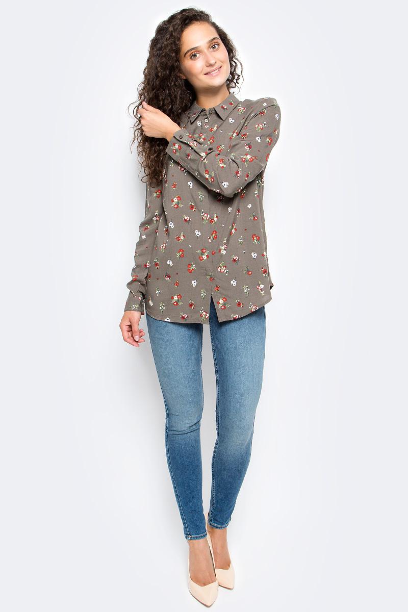 Блузка женская Sela, цвет: бледный хаки. B-312/1179-7311. Размер 46B-312/1179-7311Блузка женская Sela выполнена из 100% вискозы. Модель имеет длинные рукава с манжетами на пуговицах и отложной воротник. Застегивается на скрытые пуговицы. Блузка дополнена цветочным принтом.