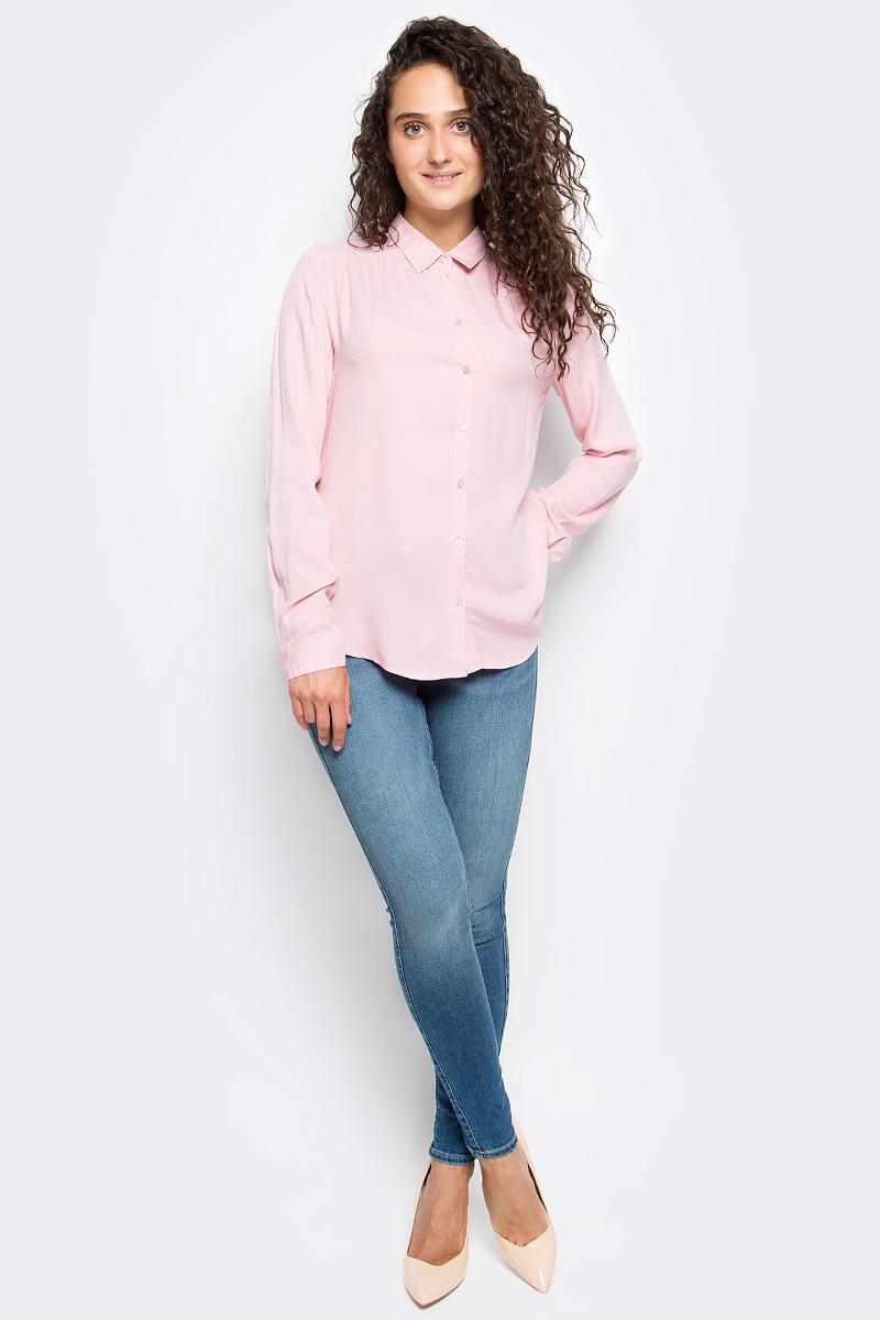 Блузка женская Sela, цвет: пыльно-розовый. B-112/1311-7341. Размер 44B-112/1311-7341Блузка женская Sela выполнена из 100% вискозы. Модель имеет длинные рукава с манжетами на пуговицах и отложной воротник. Застегивается на пуговицы. Блузка выполнена в однотонном классическом дизайне.