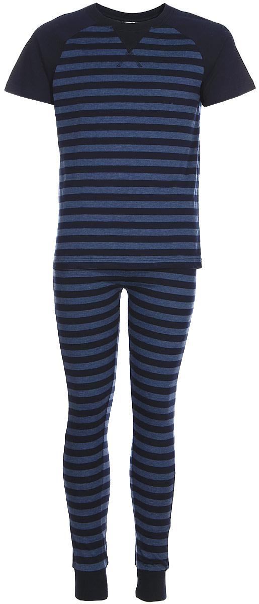 Пижама для мальчика Sela, цвет: темно-синий джинс. PYb-7862/018-7311. Размер 104/110, 4-6 летPYb-7862/018-7311Пижама для мальчика состоит из футболки и брюк. Комплект выполнен из хлопка с добавлением полиэстера. Футболка имеет короткие рукава и круглый вырез горловины. Брюки на поясе снабжены шнурком для регулировки посадки. Низ брючин отделан эластичной резинкой. Комплект дополнен принтом в полоску.