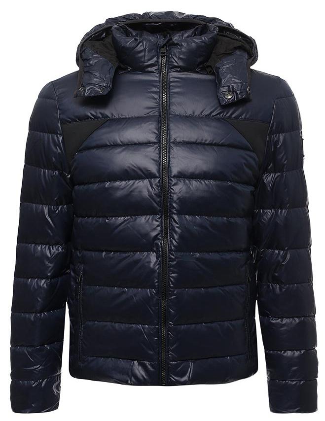 Куртка мужская Calvin Klein Jeans, цвет: синий. J30J305551_4020. Размер XL (50/52)J30J305551_4020Мужская стеганая куртка Calvin Klein выполнена из 100% полиэстера. Модель имеет длинные рукава, воротник-стойку, капюшон с кнопками. Куртка застегивается на молнию. Имеются два врезных кармана на молнии.