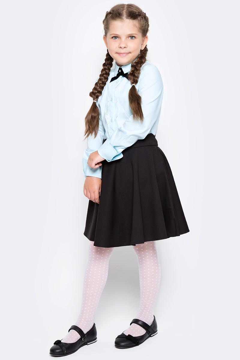 Блузка для девочки Overmoon Kara, цвет: голубой. 21200260007_400. Размер 15221200260007_400Блузка для девочки Luhta Kara выполнена из высококачественного материала. Модель прямого кроя с отложным воротником и длинными рукавами застегивается на пуговицы.