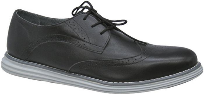 Полуботинки для мальчика Зебра, цвет: черный. 11801-1. Размер 4011801-1Стильные полуботинки от бренда Зебра займут достойное место среди коллекции обуви вашего мальчика. Модель выполнена из гладкой натуральной кожи с декоративной перфорацией. Подъем дополнен шнуровкой, которая надежно зафиксирует обувь на ноге. Внутренняя поверхность и стелька, изготовленные из натуральной кожи, обеспечат ногам комфорт и уют. Подошва из легкого ТЭП-материала с рифлением гарантирует отличное сцепление с любой поверхностью. Модные полуботинки придутся по душе вашему мальчику.