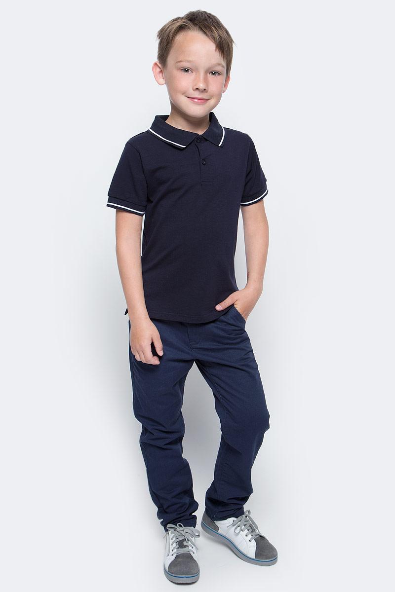 Поло для мальчика Vitacci, цвет: темно-синий. 1173010-04. Размер 1281173010-04/1173010M-04Футболка-поло для мальчика выполнена из хлопка и эластана. Модель с отложным воротником и короткими рукавами застегивается на пуговицы.