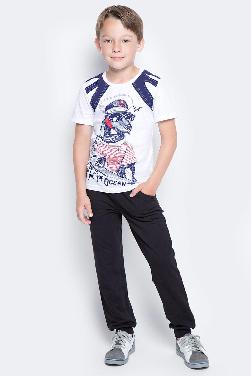 Брюки для мальчика LeadGen, цвет: черный. B611045502-171. Размер 116B611045502-171Брюки для мальчика LeadGen выполнены из хлопкового трикотажа. Модель стандартной посадки с карманами на талии дополнена эластичной резинкой со шнурком. Брючины понизу имеют широкие манжеты.