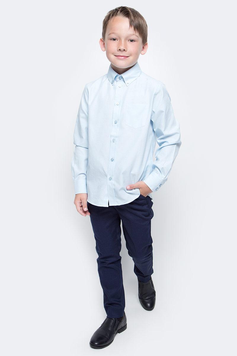 Рубашка для мальчика Button Blue, цвет: голубой. 217BBBS23041800. Размер 152, 12 лет217BBBS23041800Рубашка для мальчика - основа повседневного школьного образа! Школьные рубашки от Button Blue - это качество и комфорт, отличный внешний вид, удобство в уходе, высокая износостойкость. Рубашка с длинными рукавами и отложным воротничком застегивается на пуговицы. Готовясь к школьному сезону, вам стоит купить рубашки в трех-четырех цветах, чтобы разнообразить будни ученика.