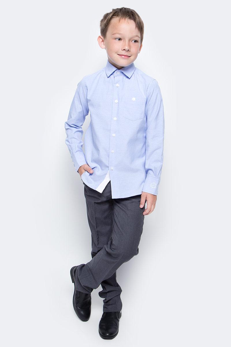 Рубашка для мальчика Gulliver, цвет: голубой. 217GSBC2313. Размер 170217GSBC2313Строгая, лаконичная, элегантная рубашка для школы от Gulliver настроит на серьезный и ответственный подход к делу. Хороший состав, качество и текстура ткани, модный силуэт, актуальная форма воротника делают рубашку отличным решением на каждый день, позволяющим ребенку чувствовать себя уверенно и достойно. Если вы хотите купить рубашку для ежедневного комфорта и отличного внешнего вида ребенка, детская рубашка от Gulliver- лучшее решение. Она сделает образ ученика стильным, свежим, интересным.