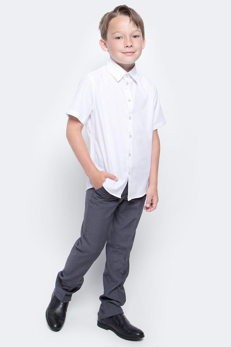 Брюки для мальчика Gulliver, цвет: серый. 217GSBC6303. Размер 170217GSBC6303Классические брюки для мальчика - основа повседневного школьного гардероба. В сочетании с любым верхом, они смотрятся строго, настраивая на деловую волну. Хороший состав и качество ткани обеспечивают брюкам достойный внешний вид, долговечность и неприхотливость в уходе. Школьные брюки для мальчика имеют удобную регулировку пояса, создающую комфортную посадку изделия на любой фигуре.
