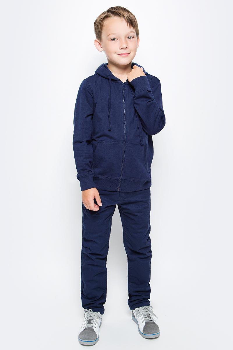 Толстовка для мальчика Sela, цвет: синий. Stc-813/178-7340. Размер 128Stc-813/178-7340Классическая толстовка для мальчика Sela станет отличным дополнением к гардеробу юного непоседы. Модель прямого кроя с длинными рукавами с капюшоном на шнурках застегивается на пластиковую молнию и дополнена двумя накладными карманами. Манжеты рукавов и низ изделия связаны резинкой. Толстовка подойдет для прогулок и дружеских встреч и будет отлично сочетаться с джинсами и брюками. Мягкая ткань на основе вискозы, хлопка и полиэстера приятна на ощупь и комфортна в носке.