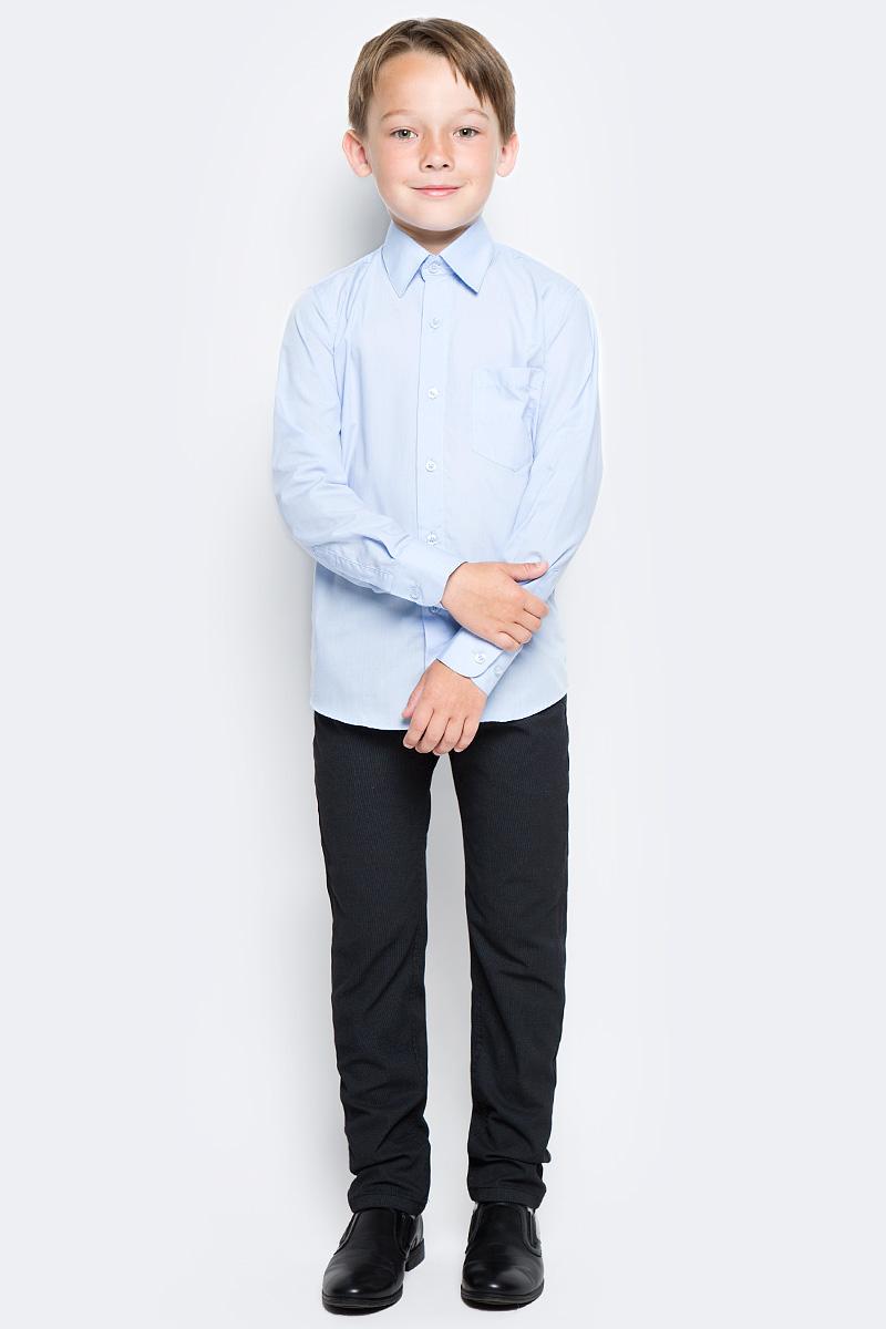 Рубашка для мальчика Nota Bene, цвет: голубой. TC27DA10. Размер 122TC27DA10/TC27DB10Рубашка для мальчика Nota Bene выполнена из высококачественного хлопкового материала. Модель с классическим отложным воротником и длинными рукавами застегивается на пуговицы, на груди дополнена накладным карманом.