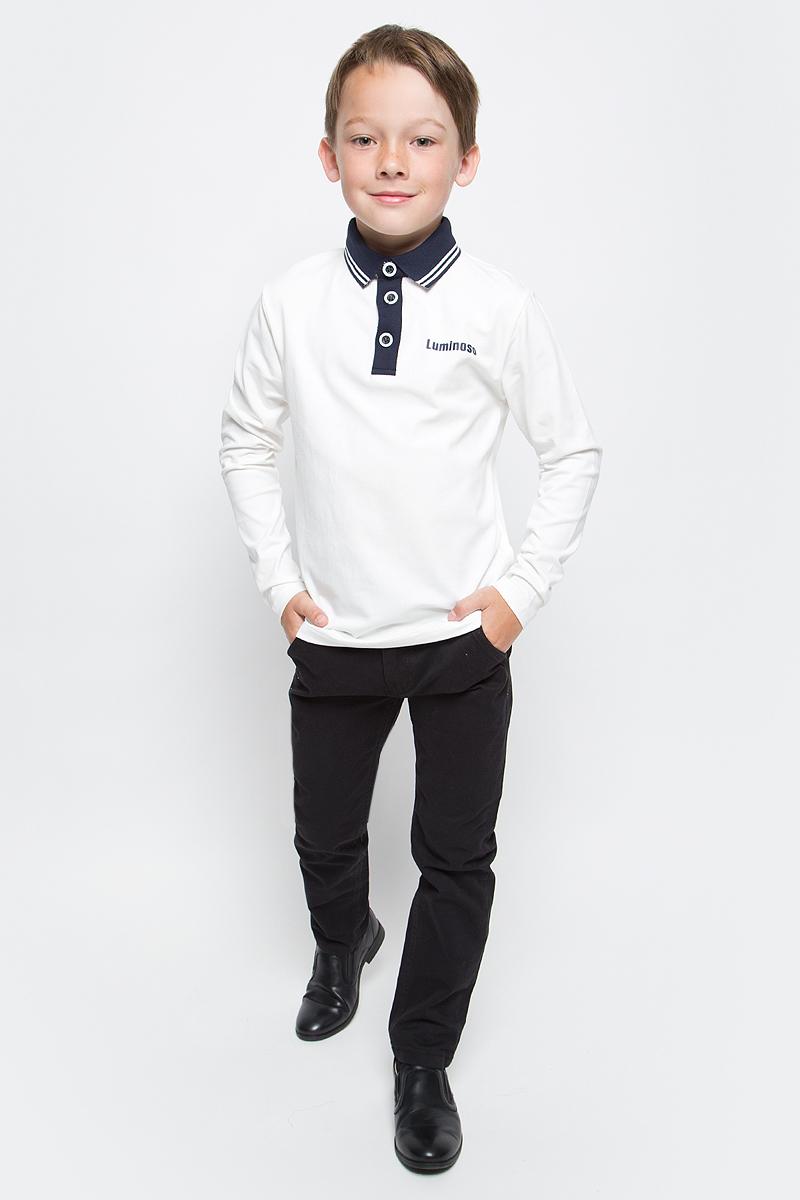 Джемпер для мальчика Luminoso, цвет: молочный, темно-синий. 727050. Размер 128727050Джемпер для мальчика Luminoso выполнен из хлопка с добавлением эластана. Модель имеет длинные рукава и отложной воротник с планкой на пуговицах.