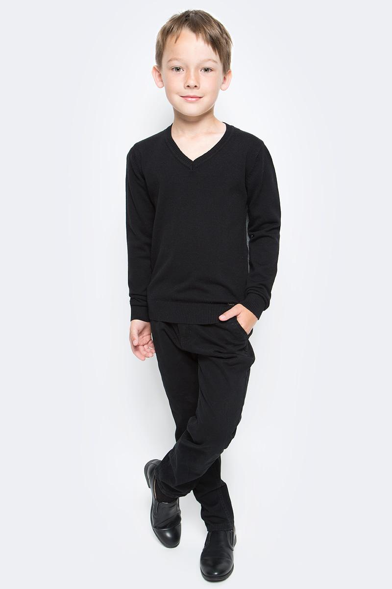 Джемпер для мальчика Luminoso, цвет: черный. 727016. Размер 146727016Джемпер для мальчика Luminoso выполнен из хлопка с добавлением нейлона. Модель имеет длинные рукава и V-образный вырез горловины. Манжеты рукавов, горловина и низ джемпера отделаны эластичной резинкой.