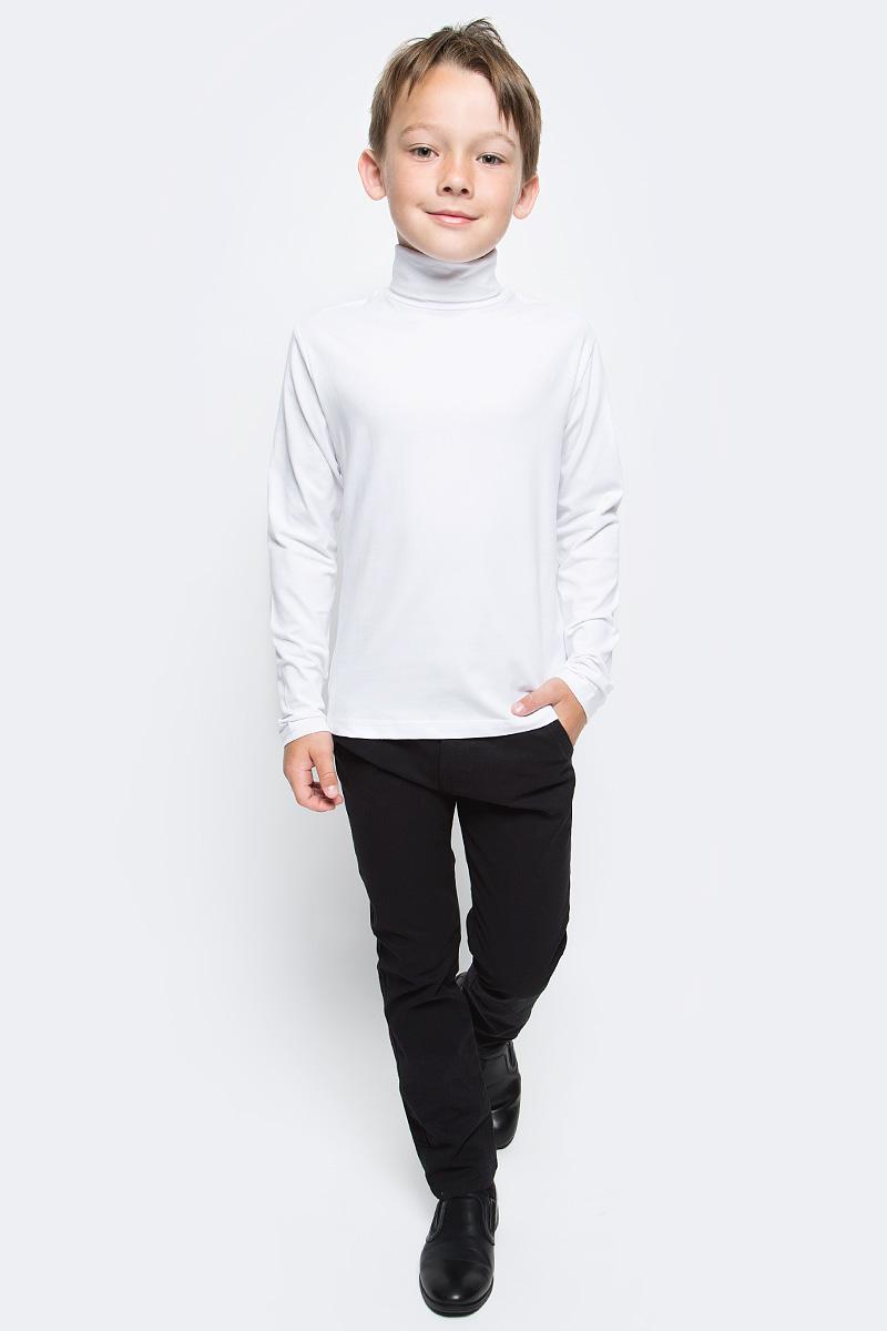 Водолазка для мальчика Luminoso, цвет: белый. 727036. Размер 128727036Водолазка для мальчика Luminoso изготовлена из хлопка с добавлением эластана. Модель имеет длинные рукава и воротник-стойку. Выполнена в классическом дизайне.