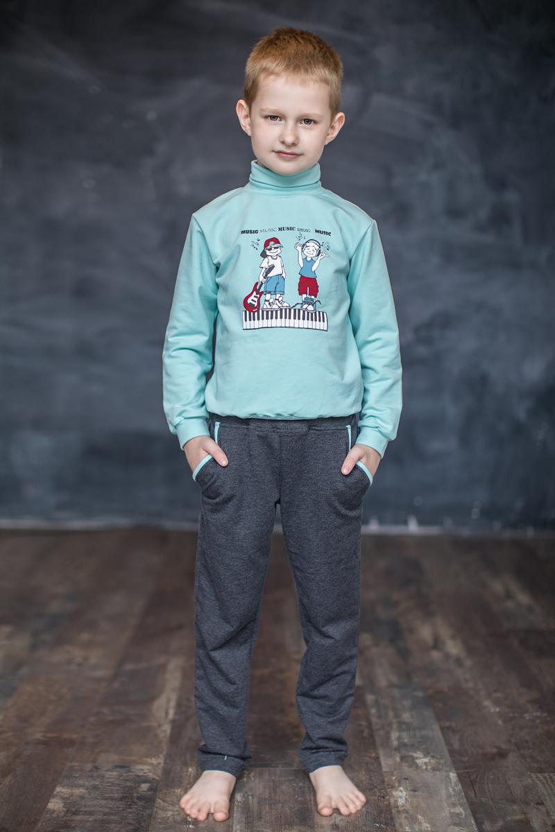 Водолазка для мальчика Мамуляндия Music, цвет: голубой. 17-0316. Размер 11017-0316Водолазка для мальчика Мамуляндия из коллекции Music изготовлена из трикотажного полотна высшего качества (футер). Модель с длинными рукавами и воротником-гольф декорирована принтом на водной основе. Рукава дополнены манжетами.