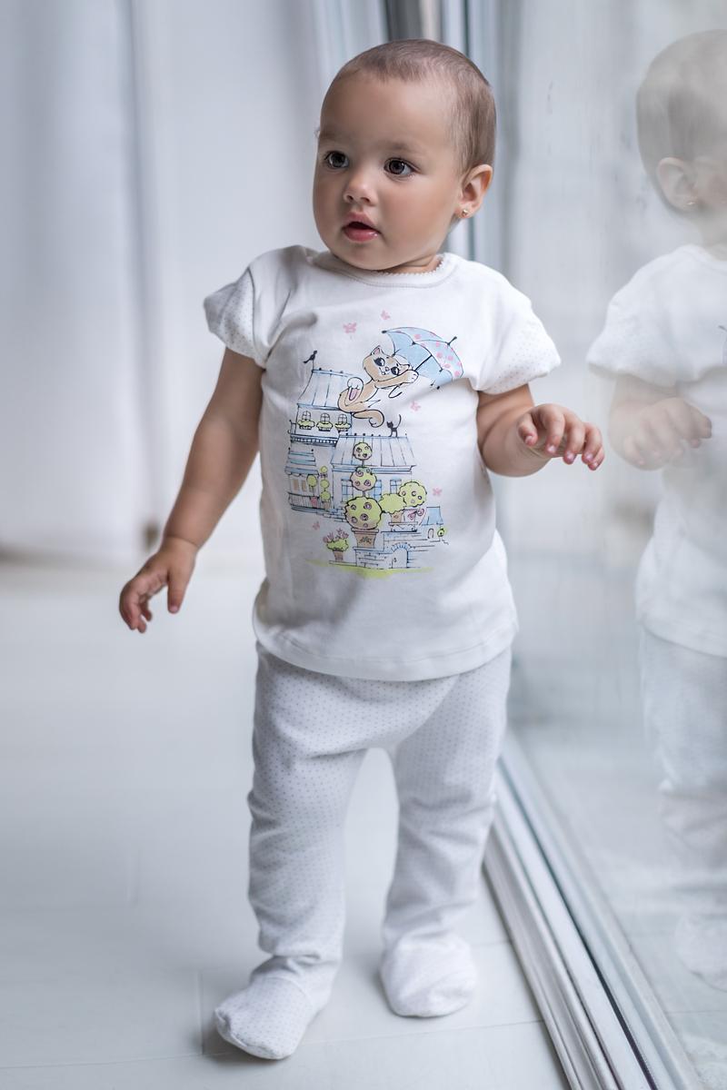 Футболка для девочки Мамуляндия Мультяшки-Девочки, цвет: молочный. 17-608. Размер 7417-608Футболка для девочки Мамуляндия Мультяшки-Девочки выполнена из натурального хлопка. Модель с круглым вырезом горловины застегивается на кнопки.