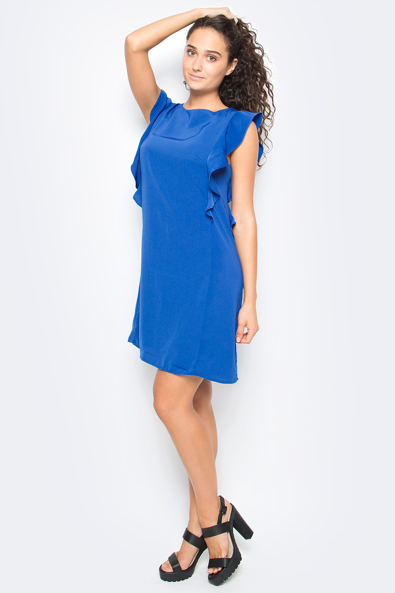 Платье Top Secret, цвет: синий. SSU1909NI. Размер 38 (46)SSU1909NIСтильное платье Top Secret выполнено из высококачественного материала. Модель мини длины с коротким рукавом-крылышком на спине застегивается на потайную застежку-молнию.