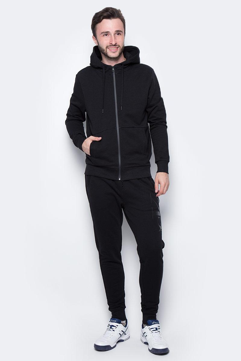 Ветровка мужская Calvin Klein Jeans, цвет: черный. J30J305281_0990. Размер XXL (52/54)J30J305281_0990Мужская ветровка Calvin Klein изготовлена из натурального хлопка. Ветровка с длинными рукавами и капюшоном застегивается на молнию по всей длине. Снизу модели предусмотрена широкая мягкая резинка, которая предотвращает проникновение холодного воздуха. Рукава дополнены эластичными манжетами. Спереди расположены два прорезных кармана.