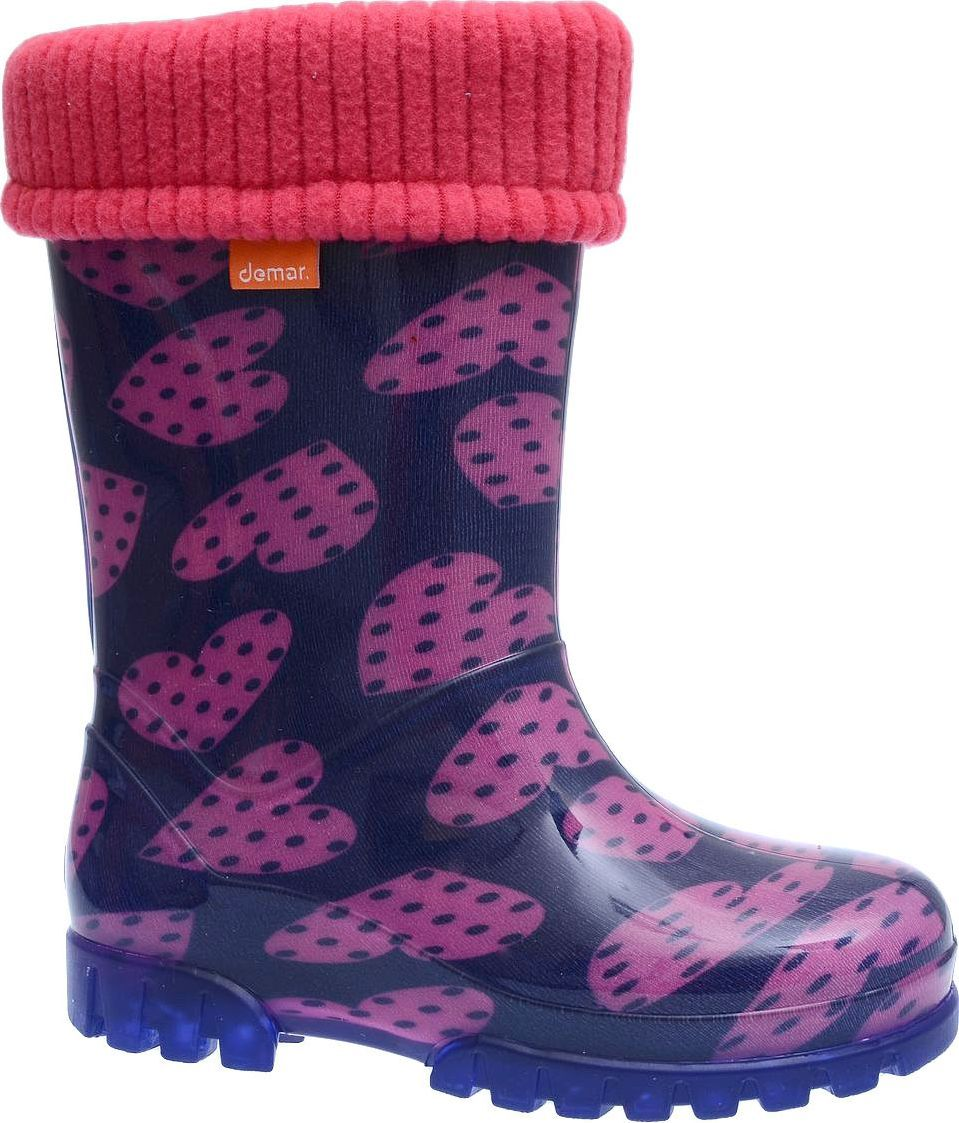Резиновые сапоги для девочки Demar, цвет: фиолетовый, розовый. 0038 V. Размер 26/270038 VРезиновые сапоги Demar придутся по душе вам и вашему ребенку! Модель изготовлена из качественной резины и оформлена принтом. Главным преимуществом резиновых сапожек является наличие съемного чулка, выполненного из текстиля, который можно вынуть и легко просушить. Подошва с рифлением обеспечивает идеальное сцепление с любыми поверхностями. Такие чудесные сапожки займут достойное место в гардеробе вашего ребенка.