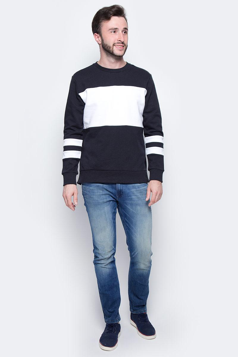 Джемпер мужской Calvin Klein Jeans, цвет: черный, белый. J30J305223_0990. Размер M (46/48)J30J305223_0990Джемпер Calvin Klein выполнен из 100% хлопка. Модель имеет круглый вырез горловины и длинные стандартные рукава. Манжеты рукавов, низ джемпера и горловина отделаны эластичной резинкой. Модель дополнена белыми полосками на рукавах и белой вставкой на груди.