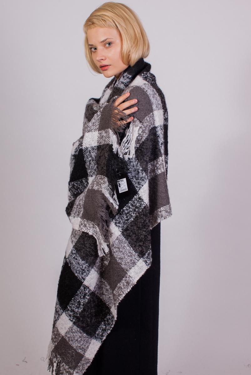 Палантин женский Sophie Ramage, цвет: серый, черный, белый. FT-21743-3. Размер 60 см х 180 смFT-21743-3Теплый и уютный палантин Sophie Ramage выполнен из акрила с добавлением шерсти. Материал мягкий и приятный на ощупь. Модель дополнена оригинальным принтом и бахромой по краю. Элегантный палантин Sophie Ramage станет достойным завершением вашего образа.