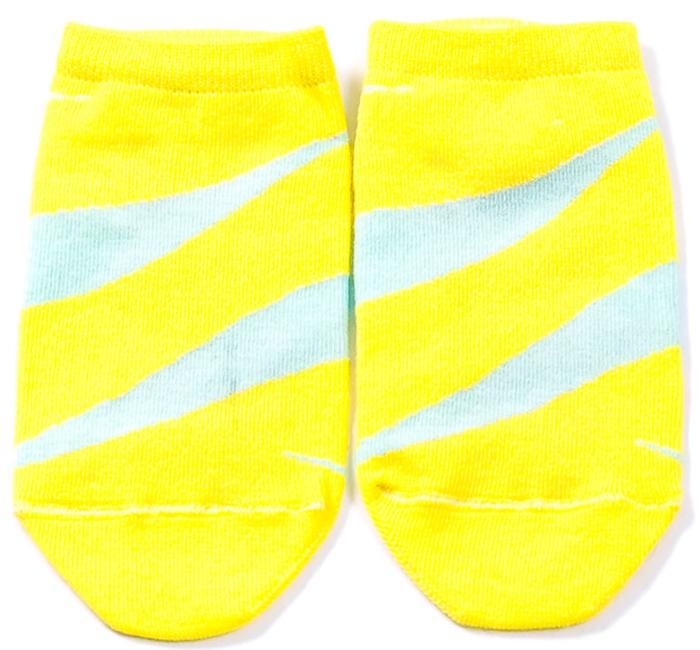 Носки женские Mark Formelle, цвет: желтый, голубой. 306K-446. Размер 25306K-446Удобные женские носки Mark Formelle, изготовленные из хлопка с добавлением полиамида и эластана, оформлены принтом. Эластичная резинка плотно облегает ногу, не сдавливая ее, обеспечивая комфорт и удобство, а усиленные пятка и мысок обеспечивают надежность и долговечность при носке.