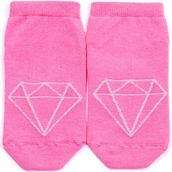 Носки женские Mark Formelle, цвет: розовый. 300K-454. Размер 23300K-454Удобные женские носки Mark Formelle, изготовленные из хлопка с добавлением полиамида и эластана, оформлены контрастным, геометрическим принтом. Эластичная резинка плотно облегает ногу, не сдавливая ее, обеспечивая комфорт и удобство, а усиленные пятка и мысок обеспечивают надежность и долговечность при носке.