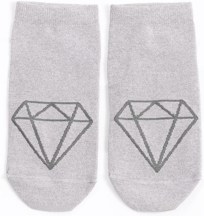Носки женские Mark Formelle, цвет: светло-серый. 300K-454. Размер 25300K-454Удобные женские носки Mark Formelle, изготовленные из хлопка с добавлением полиамида и эластана, оформлены контрастным, геометрическим принтом. Эластичная резинка плотно облегает ногу, не сдавливая ее, обеспечивая комфорт и удобство, а усиленные пятка и мысок обеспечивают надежность и долговечность при носке.
