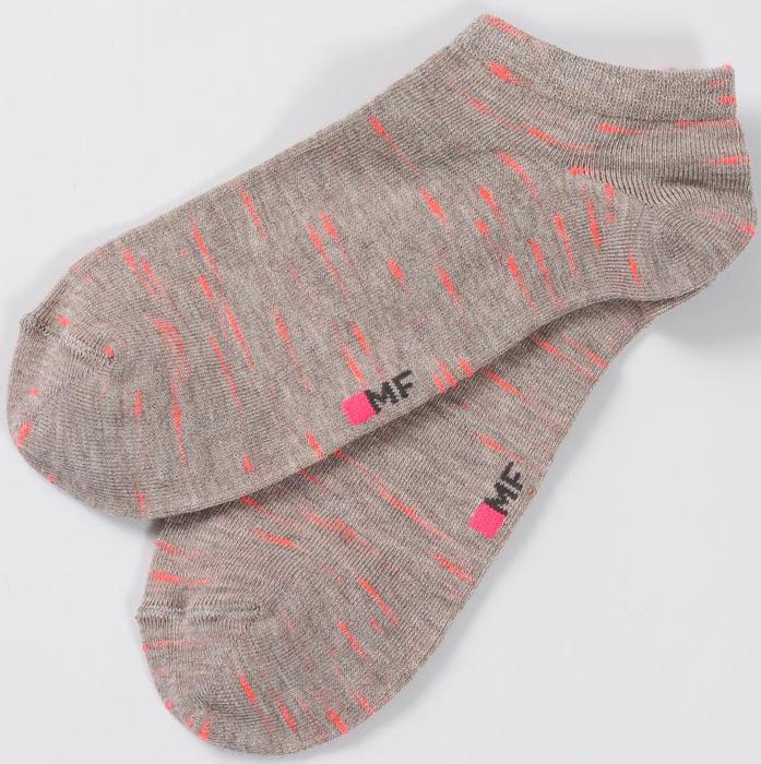 Носки женские Mark Formelle, цвет: серый. 305K-234. Размер 23305K-234Удобные женские носки Mark Formelle изготовлены из высококачественного материала. Эластичная резинка плотно облегает ногу, не сдавливая ее, обеспечивая комфорт и удобство, а усиленные пятка и мысок обеспечивают надежность и долговечность при носке.