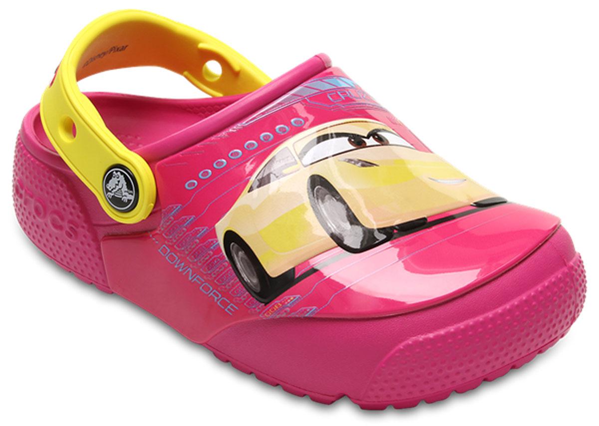 Сабо детские Crocs FunLab Lights Cars 3 Clog, цвет: розовый. 204138-6X0. Размер J2 (33/34)204138-6X0Стильные сабо Crocs FunLab Lights Cars 3 Clog придутся по душе вашему ребенку. Модель полностью выполнена из полимерного материала. Съемный пяточный ремешок, оформленный названием бренда, предназначен для фиксации стопы при ходьбе. Рифление на подошве гарантирует идеальное сцепление с любой поверхностью. Такие сабо - отличное решение для каждодневного использования!
