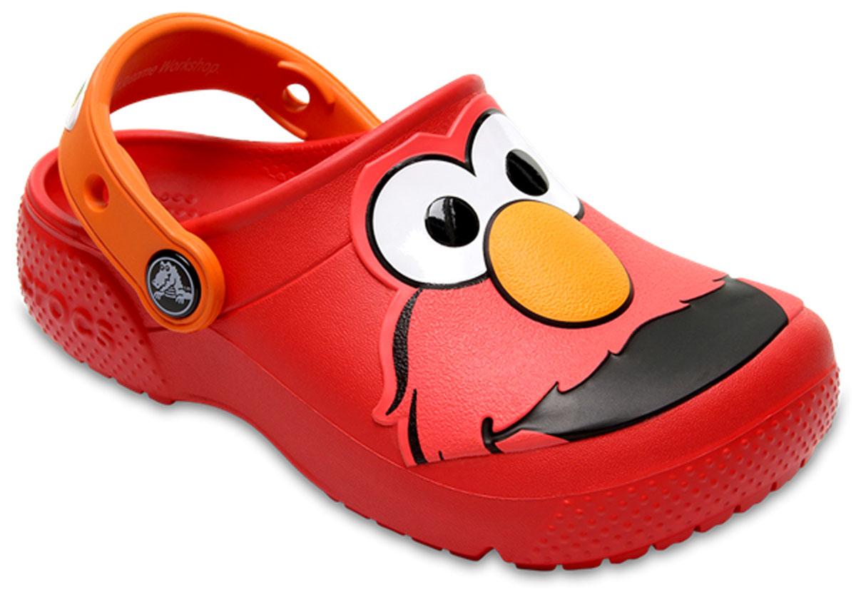 Сабо детские Crocs FunLab Elmo Clog, цвет: красный. 204782-8C1. Размер C10 (27)204782-8C1Модные сабо Crocs FunLab Elmo Clog придутся вам по душе. Модель полностью выполнена из полимерного материала. Съемный пяточный ремешок, оформленный названием бренда, предназначен для фиксации стопы при ходьбе. Рифление на подошве гарантирует идеальное сцепление с любой поверхностью. Такие сабо - отличное решение для каждодневного использования!