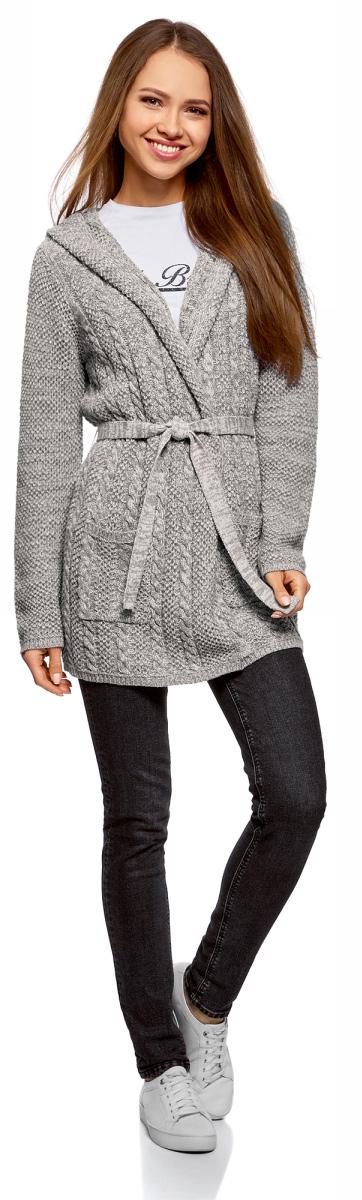 Кардиган женский oodji Collection, цвет: серый, белый меланж. 73207185-2/33491/2312M. Размер XS (42)73207185-2/33491/2312MСтильный женский кардиган oodji Collection, выполненный из хлопка с добавлением акрила, подчеркнет ваш уникальный стиль и поможет создать оригинальный женственный образ.Модель с капюшоном и длинными рукавами дополнена поясом на талии и накладными карманами.